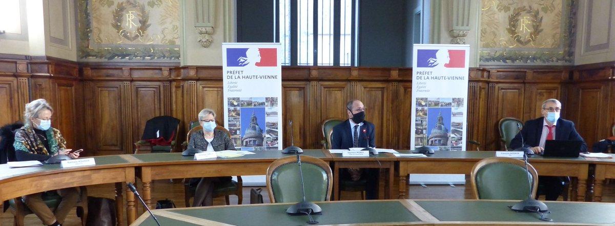 #COVID19  | Le préfet de la #HauteVienne a tenu une conférence de presse ce vendredi 27/11.  👉Objectif: dresser le bilan de la situation sanitaire et faire le point sur les mesures de soutien mises en oeuvre sur le département. https://t.co/4hN0jilWMF https://t.co/VopakHjwtv