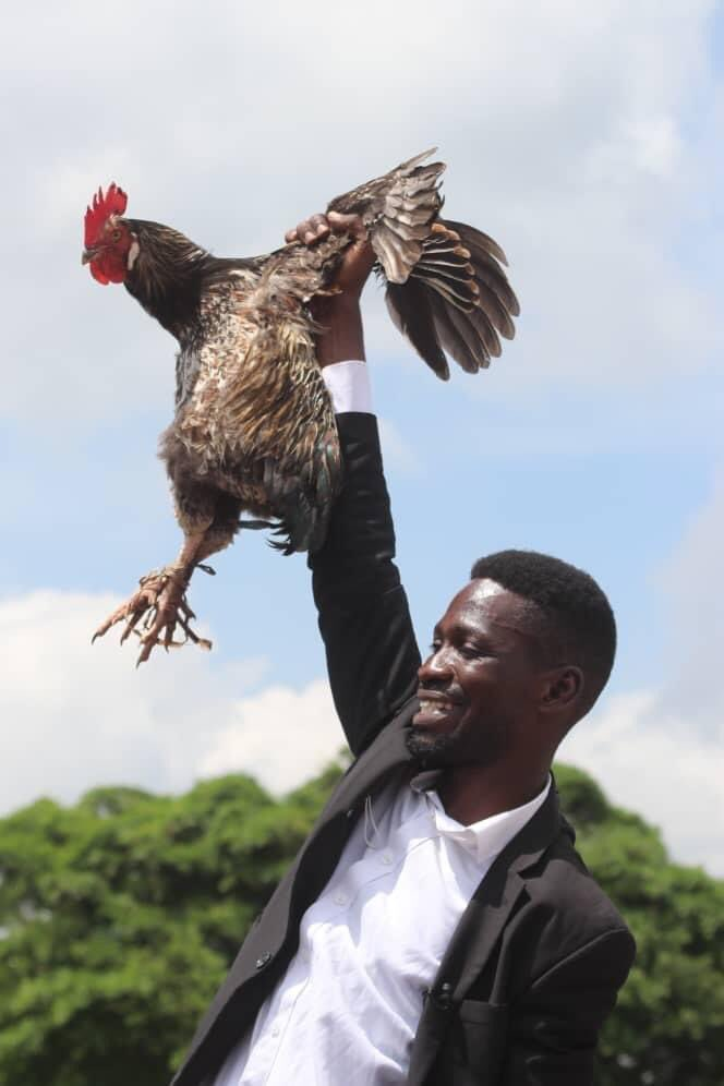𝐅𝐫𝐨𝐦 𝐓𝐡𝐞 𝐆𝐡𝐞𝐭𝐭𝐨 𝐓𝐨 𝐒𝐭𝐚𝐭𝐞 𝐇𝐨𝐮𝐬𝐞;  This will be one of the biggest Headlines of our time when the Uganda Electoral Commision announces Kyagulanyi Ssentamu Robert as the winner of the 2021 presidential elections.   Do you agree?   #digitalmarketing https://t.co/h9Z8n9gEa0