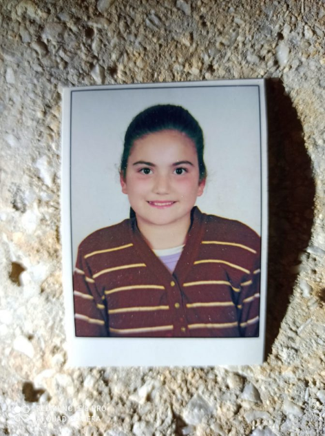 Denizli'nin Merkezefendi ilçesinde ikamet eden 18 yaşındaki engelli genç kız Yasemin Küçük, öğleden sonra kendisinden haber alınamaması üzerine, ailesi ihbarda bulundu. Jandarma ve arama kurtarma ekipleri çalışmaya başladı. https://t.co/CgzAFe2NXU