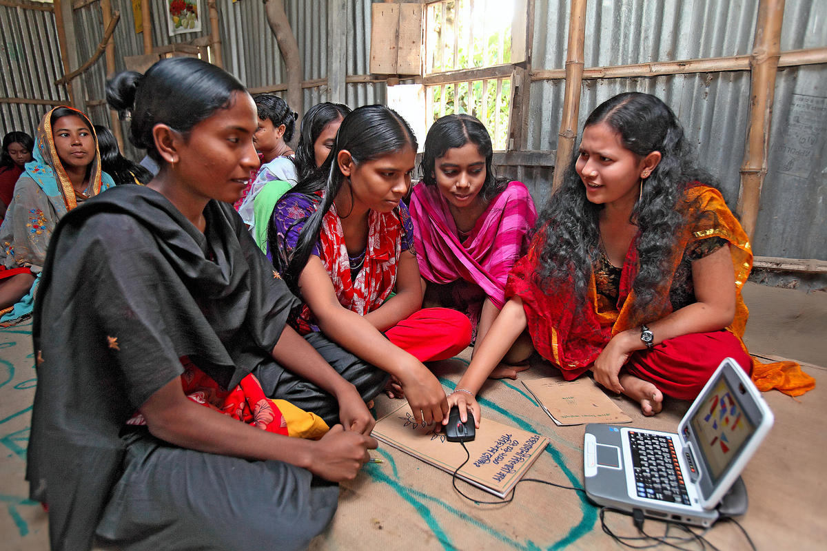 Girls who participated in a Bangladesh vocational training program were 23%-31% less likely to be married as children. Learn more about the benefits of economic empowerment:    #HIPs4FP #familyplanning #DayofTheGirl #RuralWomen