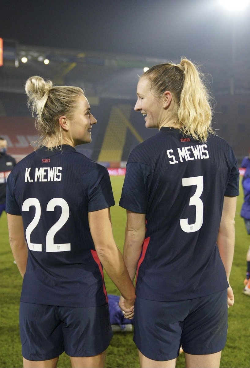 Look at them!!!!! #USWNT
