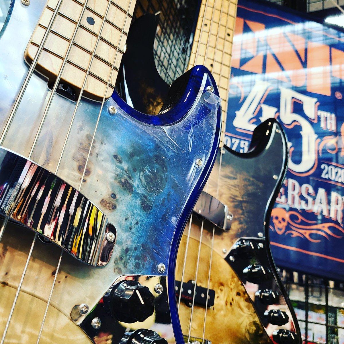 全国ESP直営店のESP AMAZE Seriesが買える‼️ 【BIGBOSSオンラインマーケット】  4弦 https://t.co/tJodMj1CS6  5弦 https://t.co/cyUi5VYX7W  インスタグラム https://t.co/HtQx5ILMID  #espguitars #bass #ベース #ベーシスト #amaze #5弦ベース #ESP45周年 https://t.co/nbNZkyeyqw