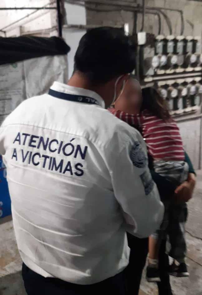 👌La @SSC_Pue del @PueblaAyto, informa que la menor ya apareció y fue localizada al interior del mercado El Carmen en óptimas condiciones. Personal del Dpto. de Atención a Víctimas acompaña a la familia. 👏