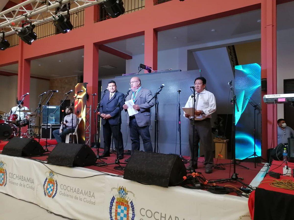 En conmemoración al día del músico, la Secretaria de Cultura realizó un reconocimiento a todos los músicos destacados del Cochabamba. https://t.co/7CG2mXI3Cx