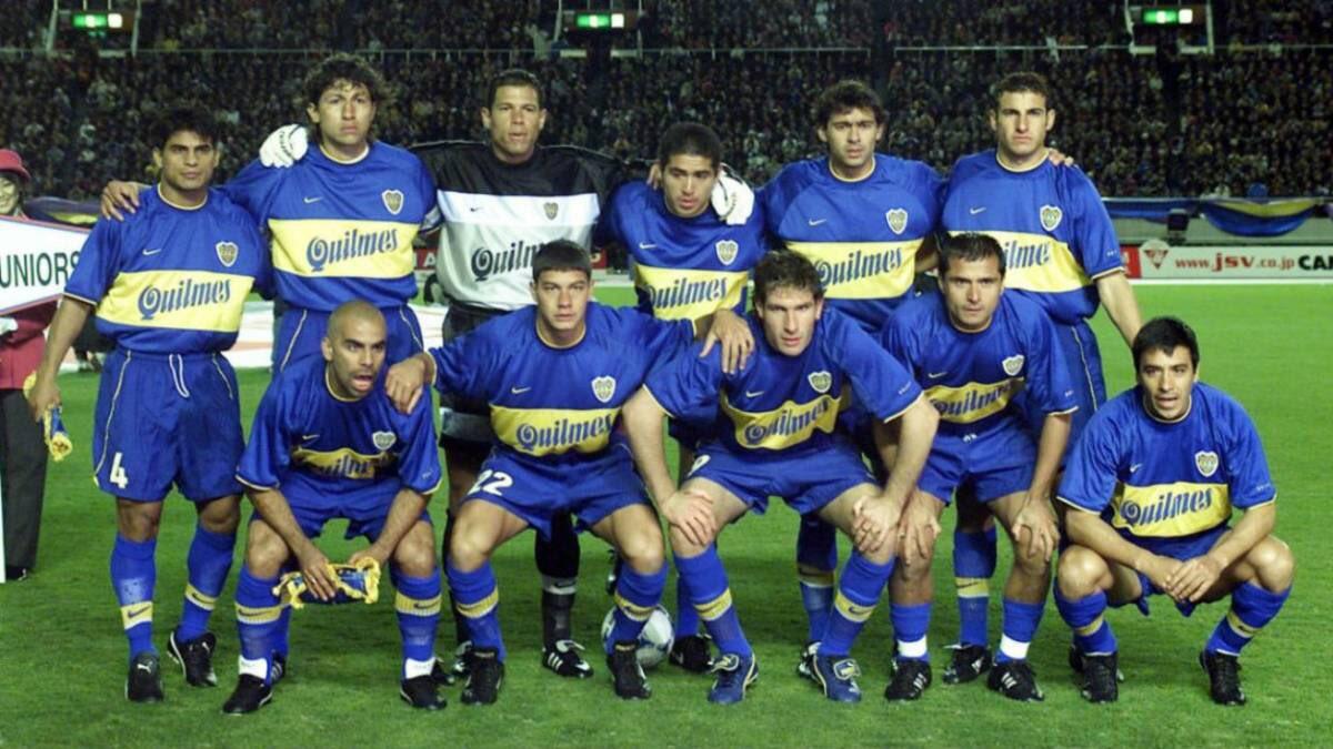 Hoy hace 20 años este equipazo vencía al Real Madrid de los galácticos en Tokio por la final de la copa intercontinental. EPICO!  #boca #bocajrs #bocajuniors #realmadrid #madrid #japon #tokio #argentina #buenosaires #futbol #fútbol #soccer #gol #adidas #nike #football