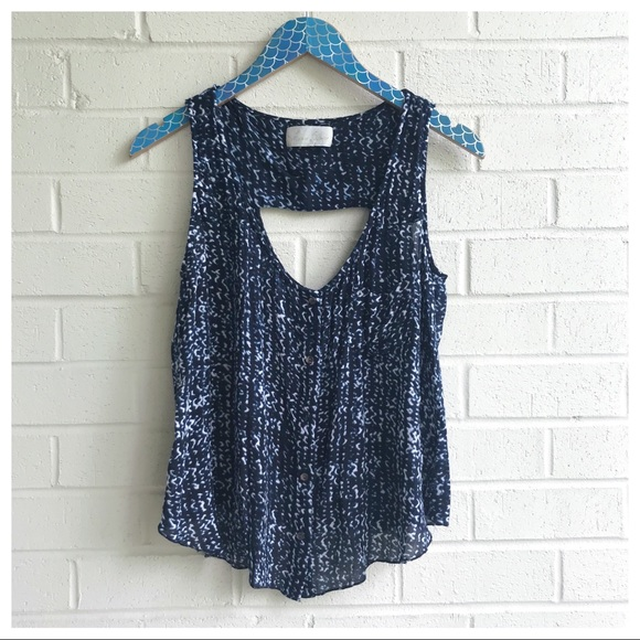 So good I had to share! Check out all the items I'm loving on @Poshmarkapp #poshmark #fashion #style #shopmycloset #lovesam #fossil #madewell: