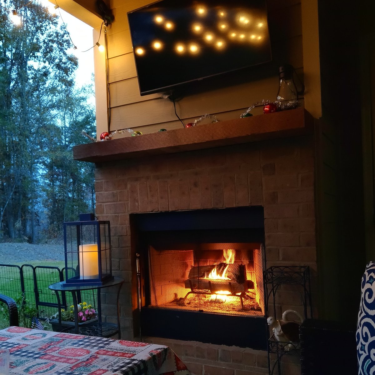 So peaceful and relaxing. ❤️  As we have therefore opportunity, let us do good unto all men, especially unto them who are of the household of faith. Galatians 6:10 KJV #fire #patio #relaxing #peaceful #time #home #goodvibes https://t.co/ZDf5A9b0Oy