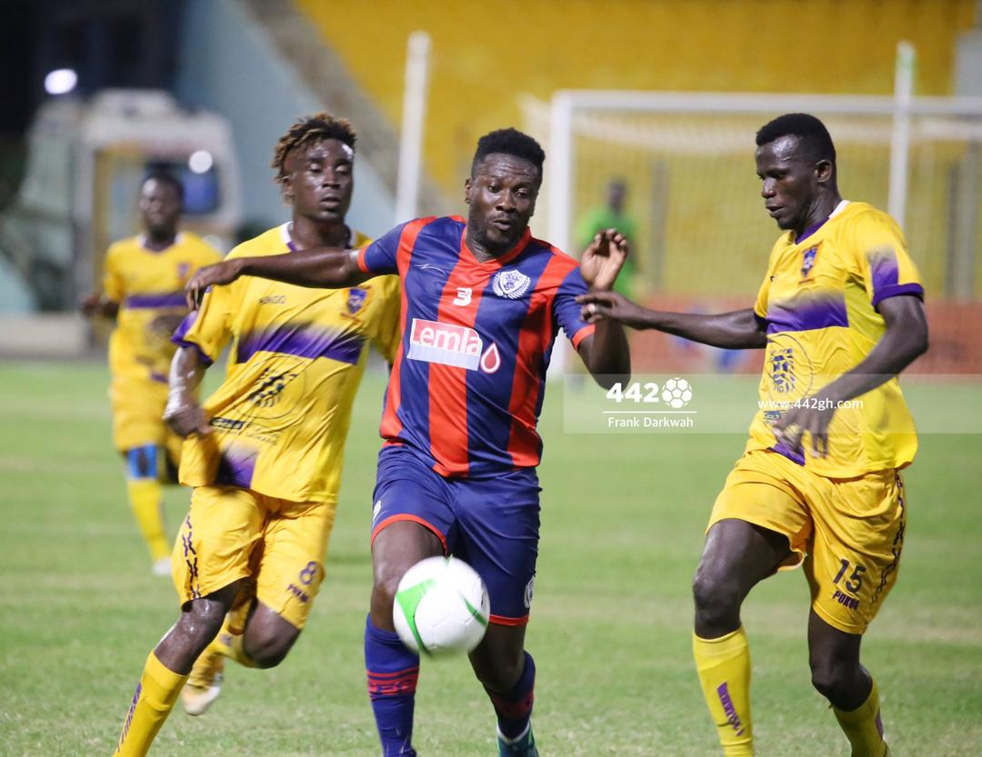 Asamoah Gyan vs Medeama SC tonight:  • 20 minutes • 9 touches • 87.5% pass accuracy • 100% aerial duels won • 1 chance created • 1 successful dribble  🔥🐐  #GPLwk3 #LegonCitiesMedeama