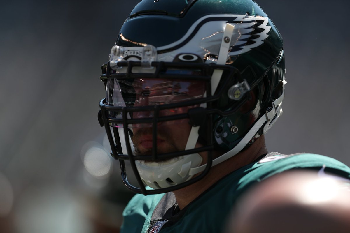 2020 has been an extremely difficult & challenging year. I tried to battle through different injuries & give it my all for my teammates & coaches. I will be back & ready to get after it next year for the best fans & organization in the business! 🦅 #flyeaglesfly #pavethelane https://t.co/ZHA9buJ6vz