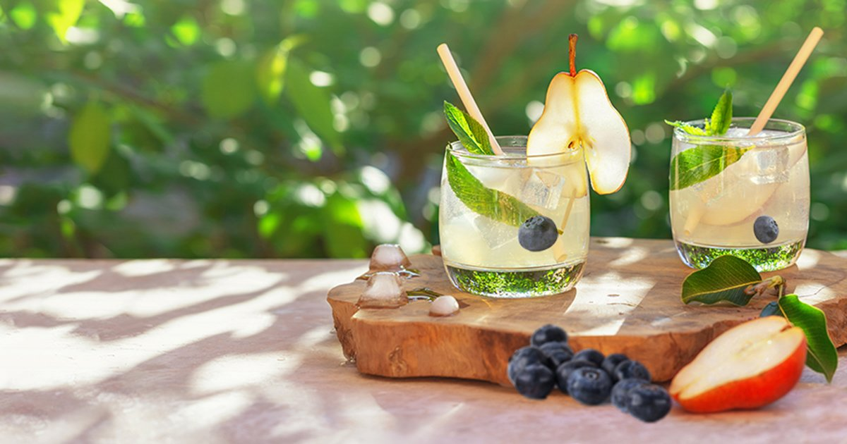This month's #InfusedForYou is #Blueberry + #Pear! Try adding this unconventional combination to your water, tea, or lemonade for an extra #nutritional flavor boost! . #BrockInfusedForYou #PearWater #BlueberryWater #drinks #hydration #tea #lemonade https://t.co/yYnjeGQ51p