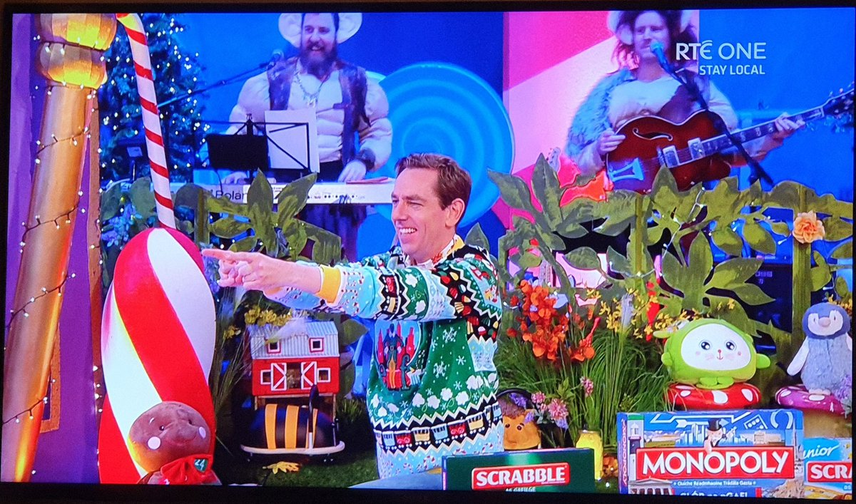 Me pointing at the bride's mother on the dance floor at a wedding.  #LateLateToyShow https://t.co/wm9rfq6KgB