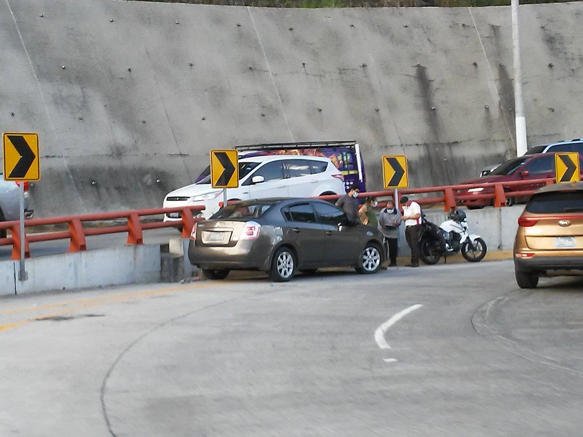 Informa @Dalogarcia19 Accidente de Transito calle antigua a Huizúcar https://t.co/AmqziRjxNz