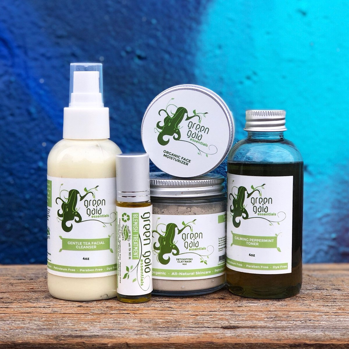 What we put on our bodies is just as important as what we put in our bodies. Green Gaia Essentials products are all-natural & made with organic ingredients.   Free shipping all weekend, and you can save 35% when you use code FRIDAY at checkout.  #womanownebusiness #vegan #organic https://t.co/kmNr9osqgf