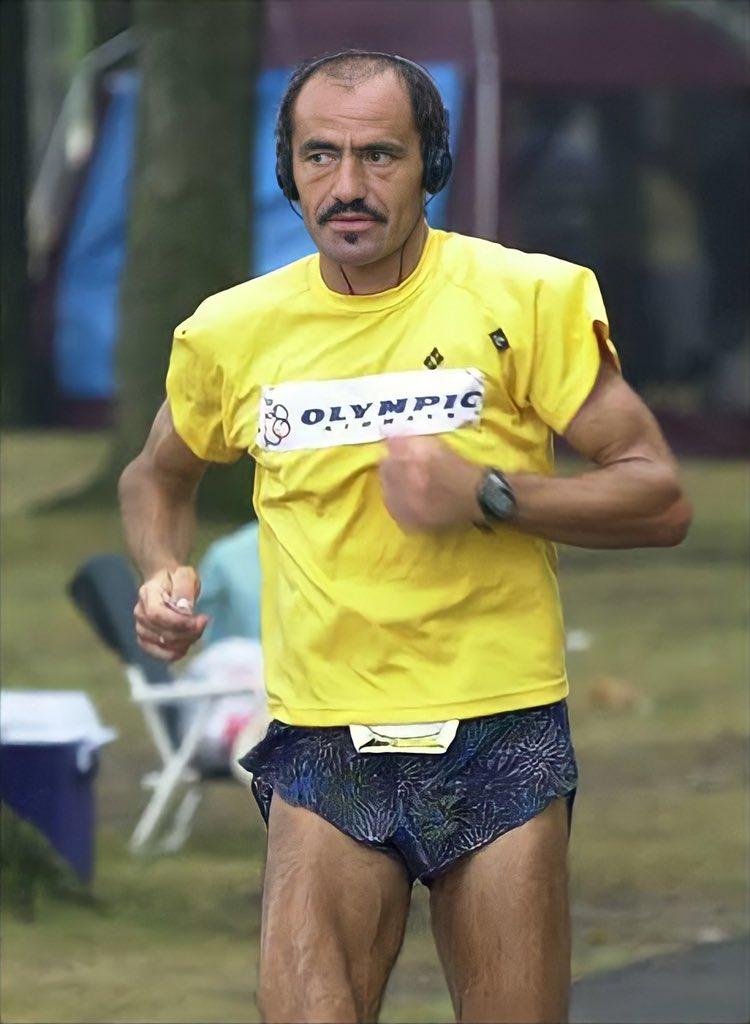 """Sebastian da yalan oldu ve bıraktı. 12 saat 50 dk / 161 km koştu ama nefesi 303 km için yeterli gelmedi, diğer koşucular rekordan 30-45 km civarında gerideler. Adamım Yannis'in ne demişti """"Bir daha 24 saat yarışı koşmayacağım ve bu rekor yüzyıllar boyu kırılamayacak."""""""