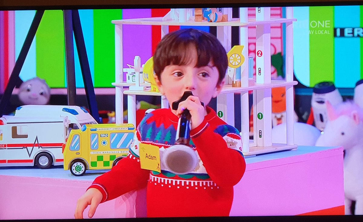 Fuck anyone whingeing about The Toy Show.  What a beautiful child.  #LateLateToyShow https://t.co/MXvC8uEU4e