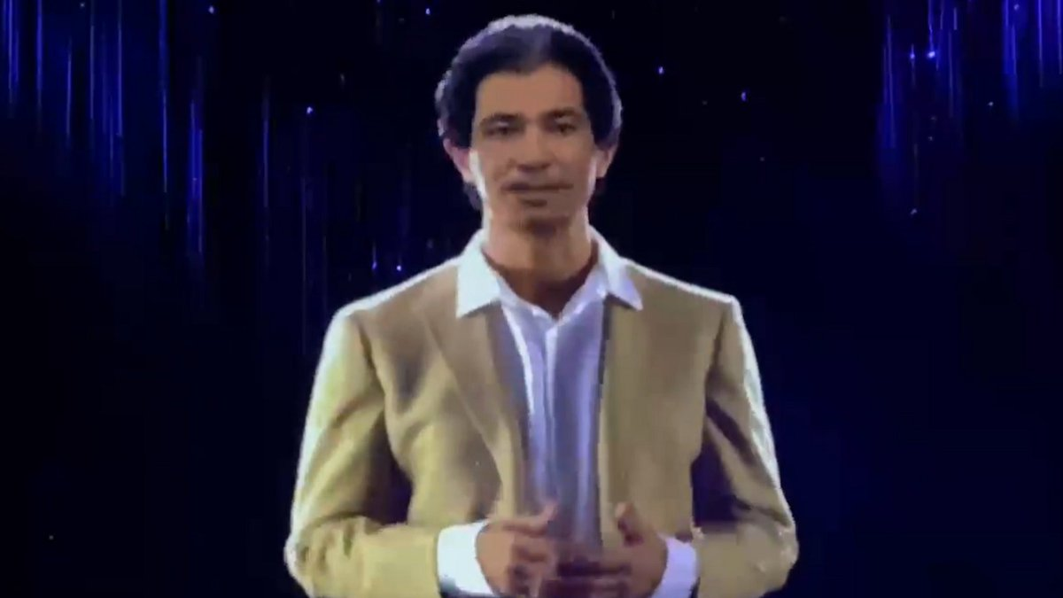 Oh god.  Please let there be a Gay Byrne hologram.  #LateLateToyShow https://t.co/uQWQcVNIX8