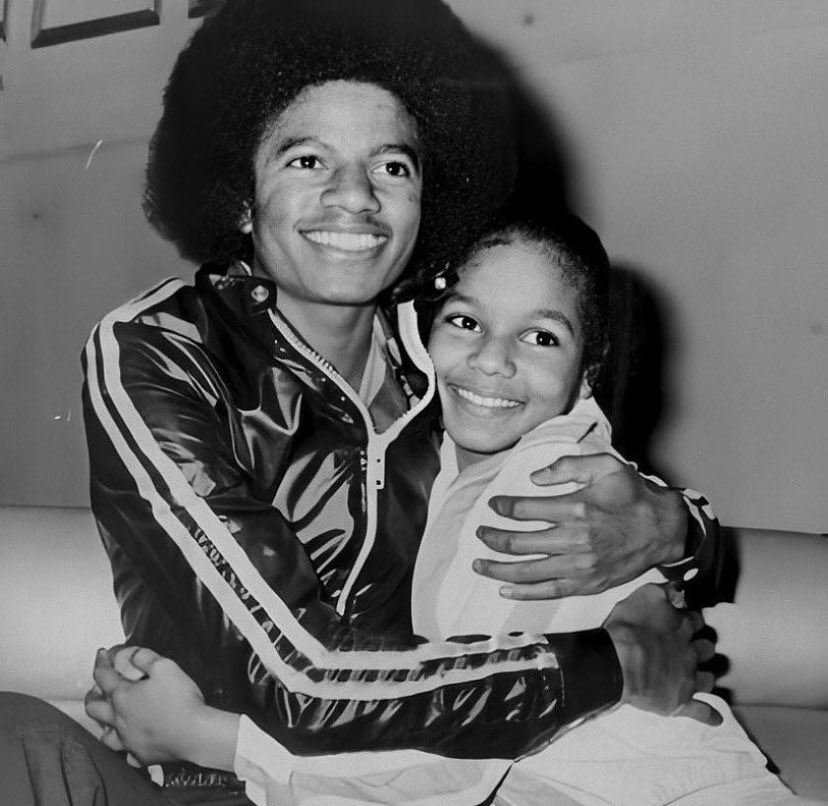 Michael & Janet Jackson as each other: A THREAD