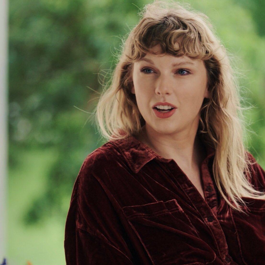 Taylor Swift is the second most streamed female artist of 2020 on Spotify so far with 4.9 BILLION streams. https://t.co/jxn3aJbsmE