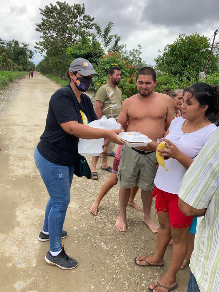 Aldea Switch in Guatemala was badly hit by Eta. WCK served meals here until Iota cut off the community—so we delivered groceries by air. Today after a week of road repairs, it's finally accessible! WCK's Elisangela was able to get to the people & serve hot meals with fresh fruit!