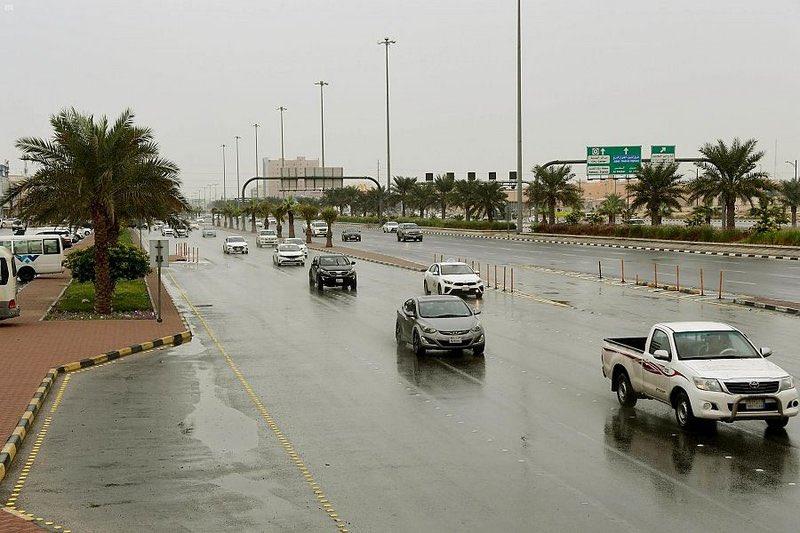 أمطار على عدة مدن ومحافظات في #الشرقية.