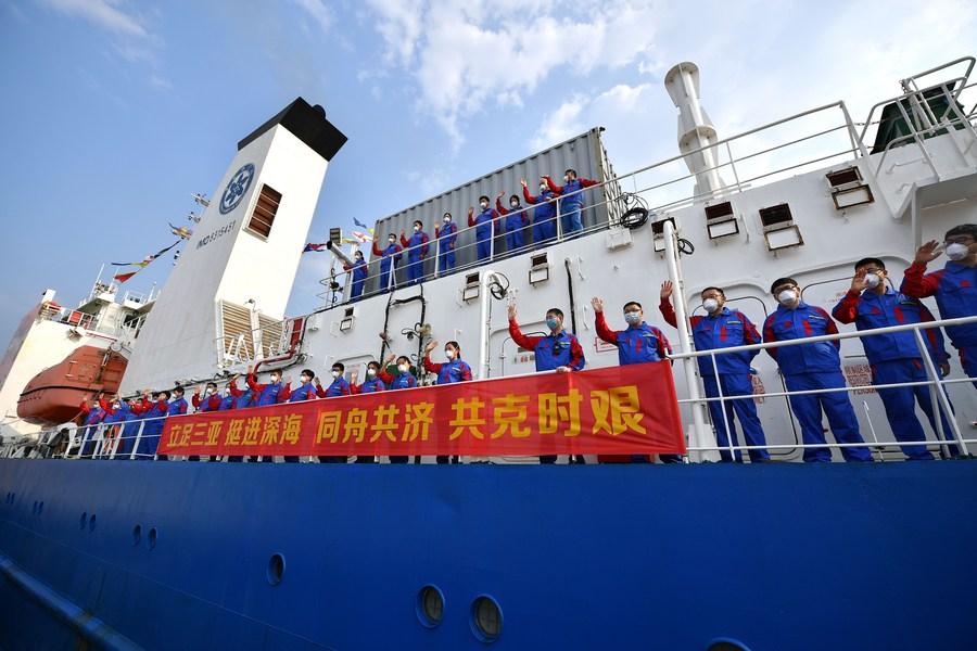 چین کی نئی آبدوز سمندری سفر کے بعد واپس آ گئی  #Fendouzhe #ocean #expedition