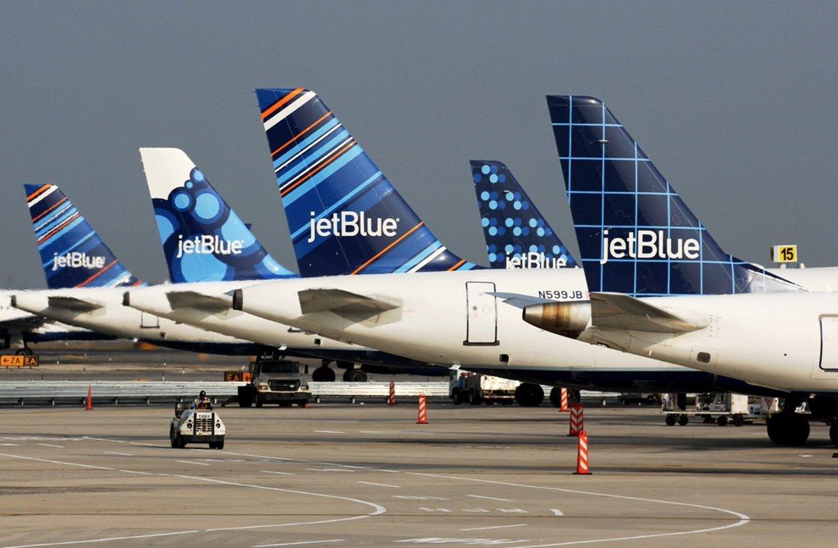 Réouverte au tourisme depuis l'été l'île de #SaintMartin 🇸🇽 accueille depuis une semaine une nouvelle liaison de la #lowcost américaine #jetBlue en provenance de sa seconde plate-forme new-yorkaise de #Newark desservie en #A321 🇺🇸