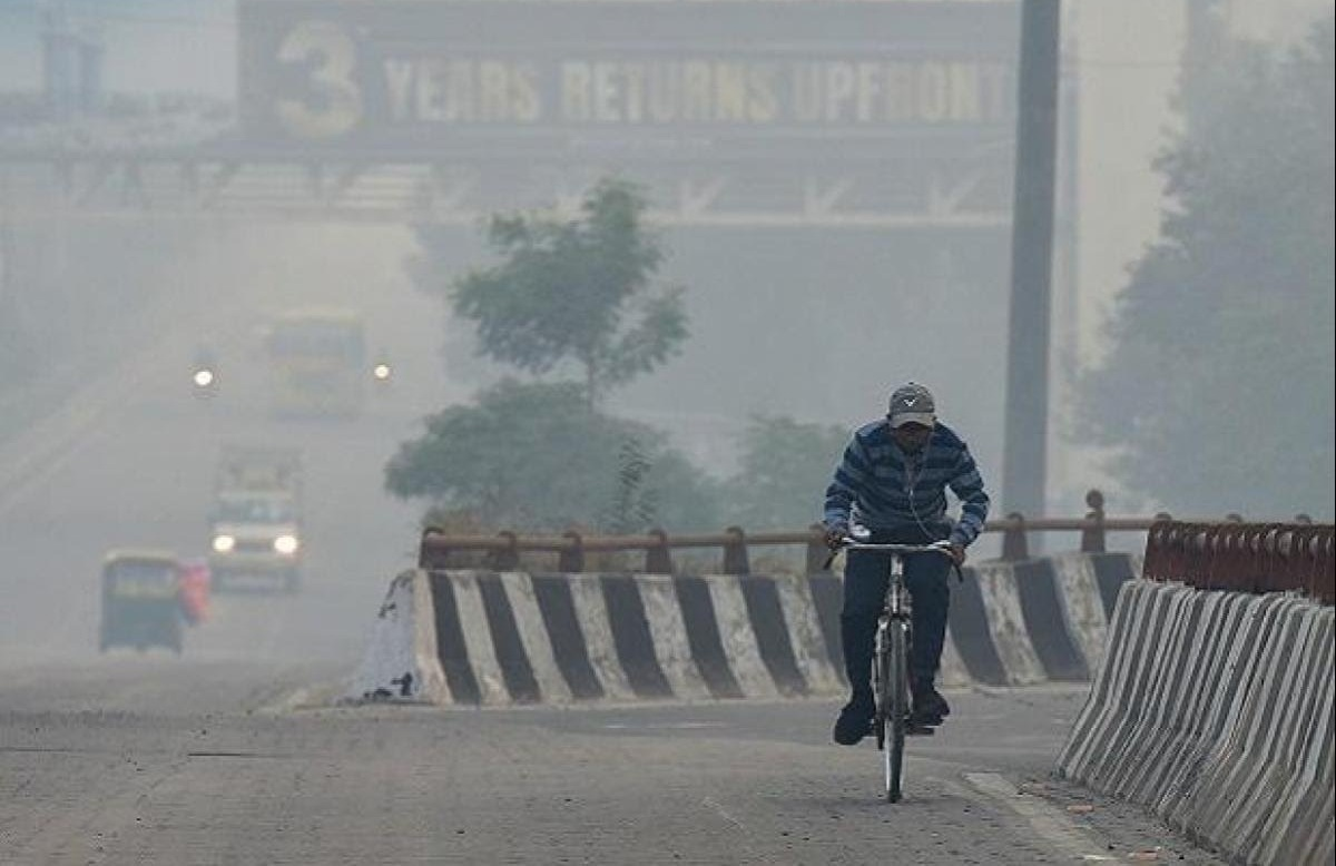 Delhi's AQI slips back to 'poor' category after minor improvement  @CPCB_OFFICIAL @moefcc @moesgoi @Indiametdept  #DelhiAirQuality #AirPollution #Delhi #weathercondition   READ|