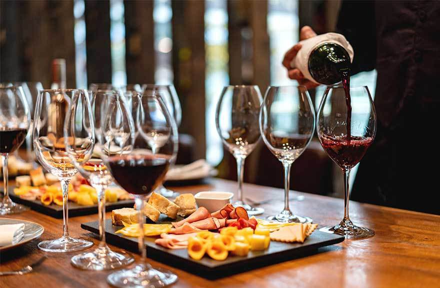 The Chinese are turning from sweet to sour when it comes to #wine from #Australia. #china #trade #business #tariffs https://t.co/pwLYT6nUGx https://t.co/gcONJdLcLL