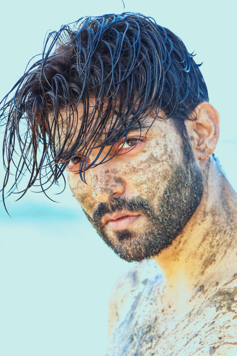 Today's mood #Muddy 😜  #closeup #gurmeetchoudhary #muddybody #beachlife https://t.co/sMrZjbyqe4