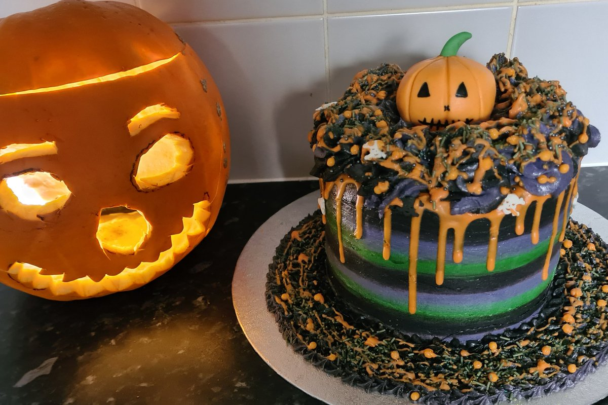 #HappyHalloween2020 #cake #Foodie #bakingindustry #lovefood #cakeartist