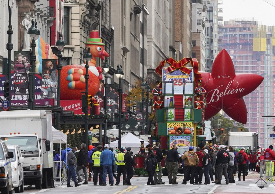 #BlackFriday, one of the days most anticipated by U.S. consumers, sees a shift in consumption patterns this year due to the surge in #COVID19 cases nationwide, as many more shoppers opt for online sales