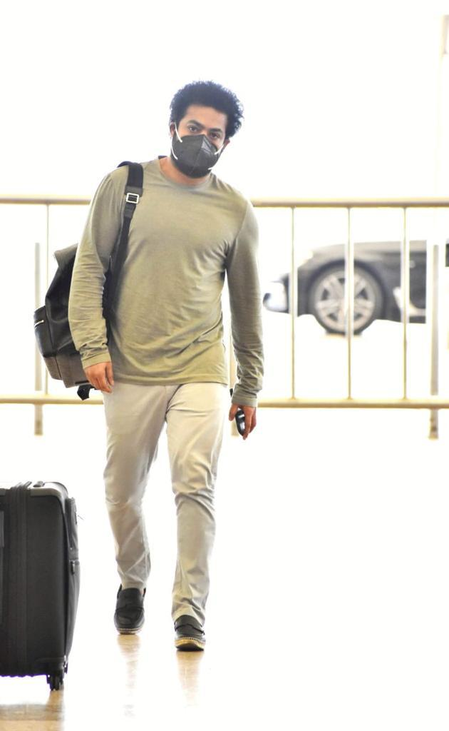 Young Tiger #NTR Snapped at Hyd Airport in Stylish Outfit.  #JrNTR #KomaramBheemNTR @tarak9999 #RRRMovie