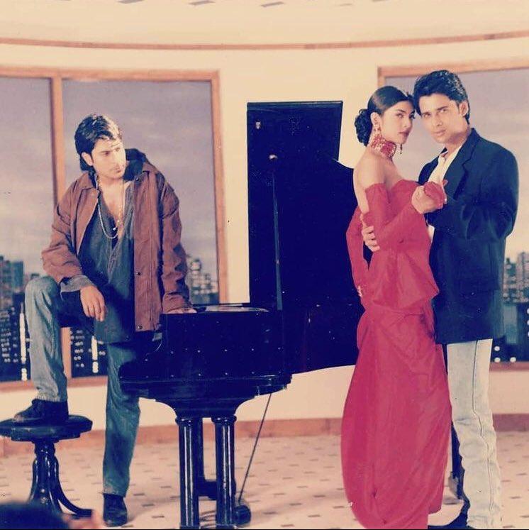 I used to love the songs of this album back in the 90's ♥️  Celebrating #24YearsofDastak & my favourite #24YearsofSushmitaSen! @MaheshNBhatt @mukulldevv #SharadKapoor