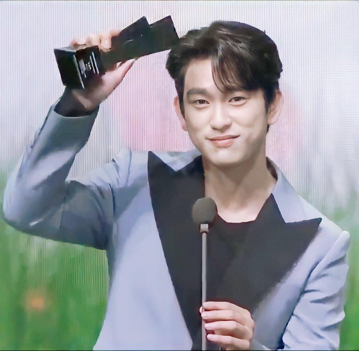 RT @thaneeratt1997: Congrats actor Jinyoung  #박진영_남자배우인기상_축하해 #AAA_PopularActorJinyoung  #GOT7 @GOT7Official...