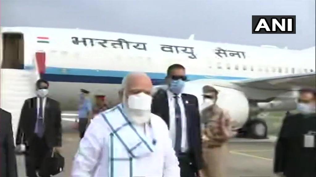 Prime Minister Narendra Modi arrives at Serum Institute of India in Pune to review COVID-19 vaccine development