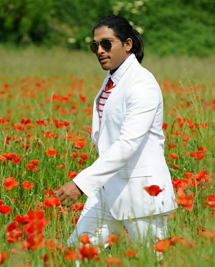 Rare Still From #Badrinath 😎  #Pushpa #AlluArjun https://t.co/zepZvCaXbx
