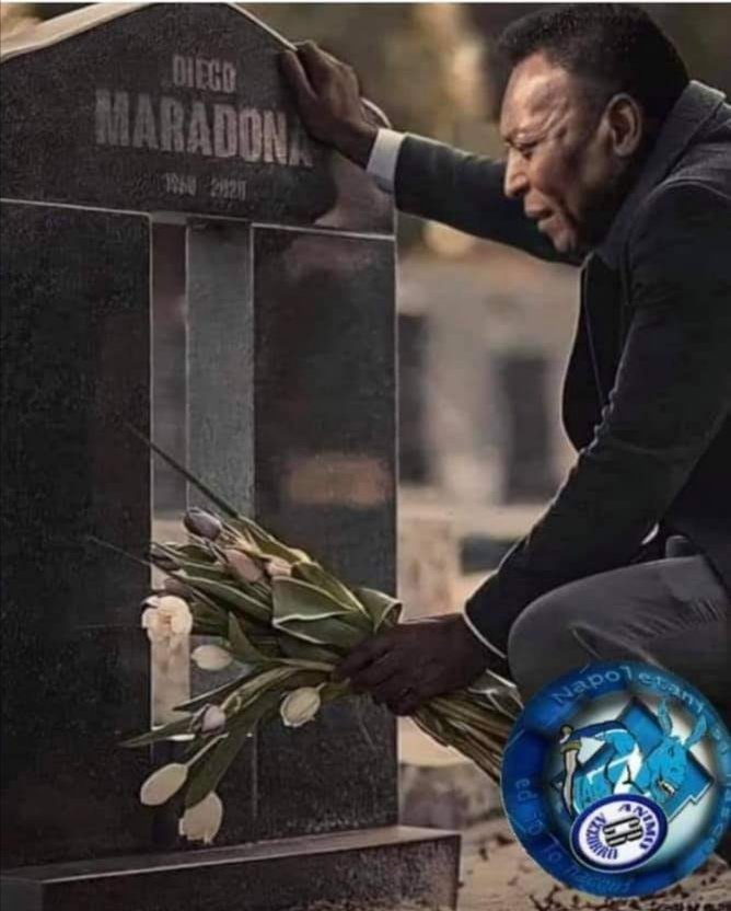 Anche su in cielo è arrivato per primo.... R. I. P.  La tua foto parla da sé! Altri uomini come loro non Nascono più. La storia Il rispetto.. La fratellanza Fra due re del calcio. Maradona 💔è Pele.. 😭😭 https://t.co/vKBir6CxP2