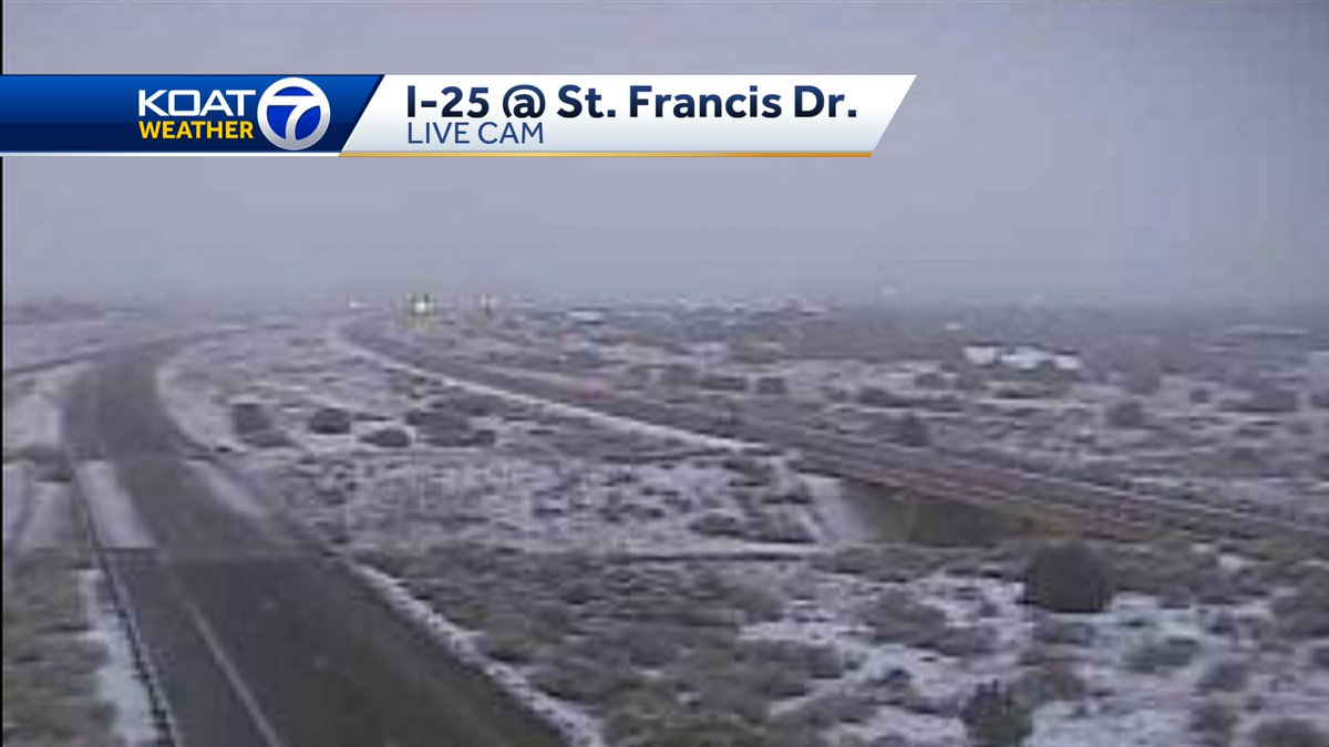Slick spots on #I25 @ St. Francis Dr. Slow down & leave lots of room Live #weather now on KOAT 7! #SaturdayMorning   #NMwx #NewMexico @koat7news