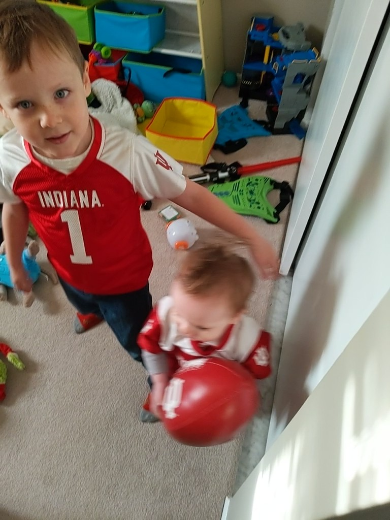 We're ready to see #iufb dominate today!