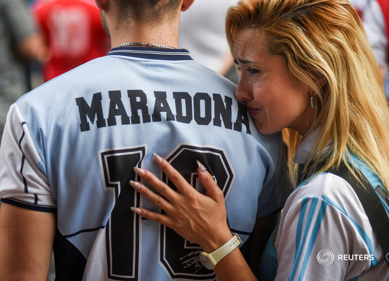 People gather outside the Diego Armando Maradona stadium to mourn the death of the soccer legend in Buenos Aires, Argentina. More photos of the week: https://t.co/ifnip8kVsM 📷 Martin Villar https://t.co/CUfnU2Z7RT