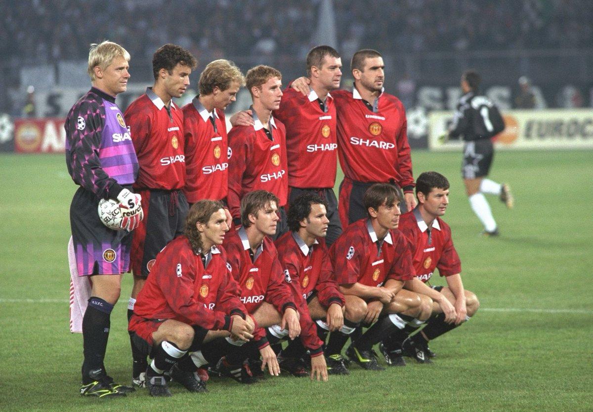 🥰 Tu 𝐣𝐮𝐠𝐚𝐝𝐨𝐫 𝐟𝐚𝐯𝐨𝐫𝐢𝐭𝐨 en este Manchester United ❓  #UCL |@ManUtd_Es