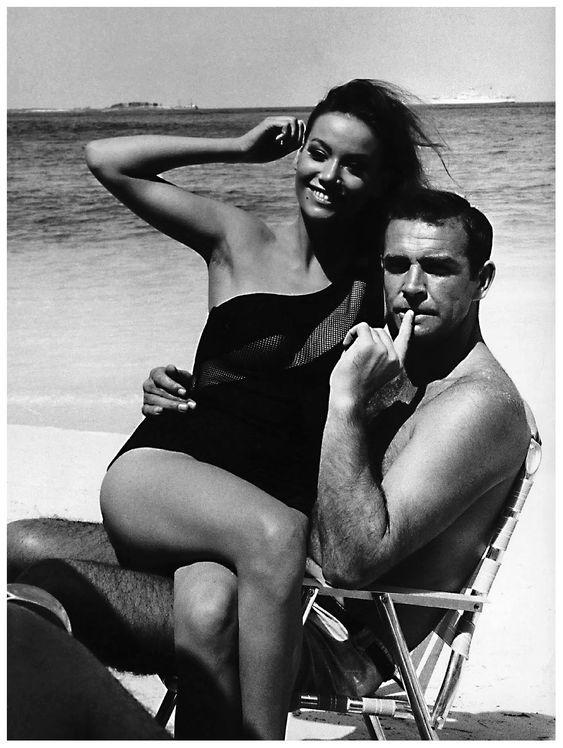 Bonne soirée à tous, good evening everyone, buenas tardes tod@s, buona serata, gute nacht, bona nit ; #ClaudineAuger et #SeanConnery sur le tournage du James Bond