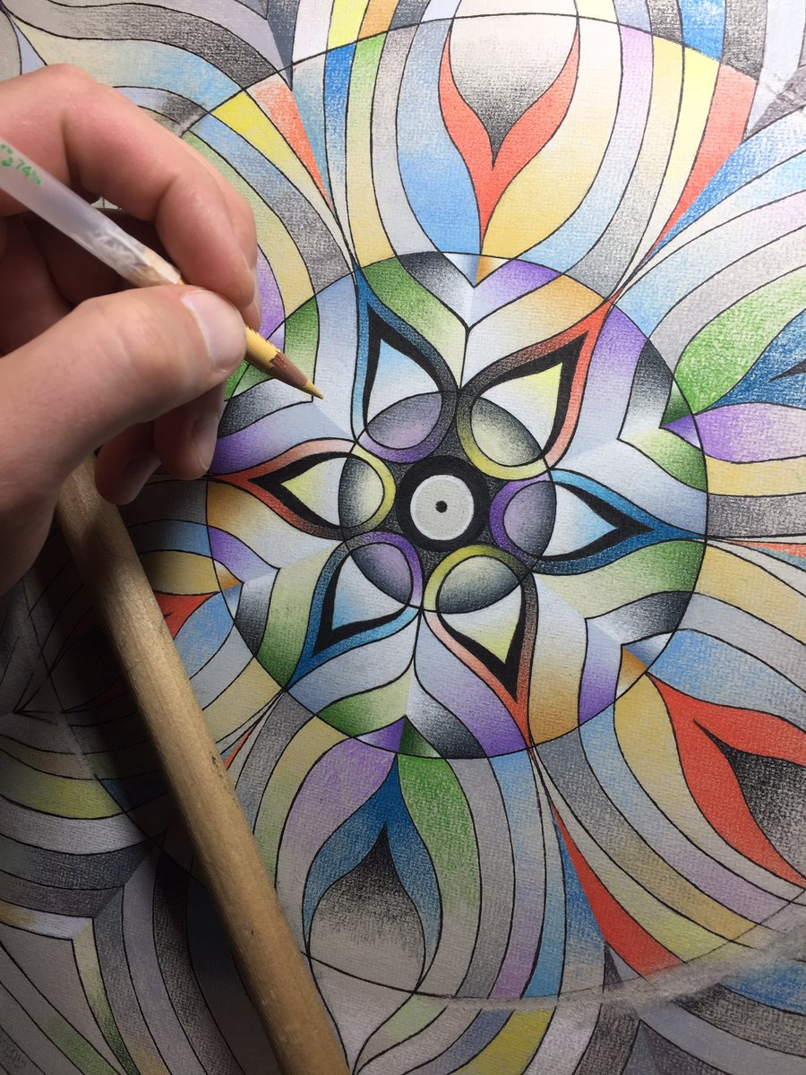 More progress on this mandalic piece. 🍁 . . #Mandala #ColorPencil #Prismacolor #InkPen #Micron #SymmetryArt #ColorTheory #ColorBlending #MahlStick #ArtistStudio #ChicagoArts #Meditation https://t.co/Qves7NVi7R