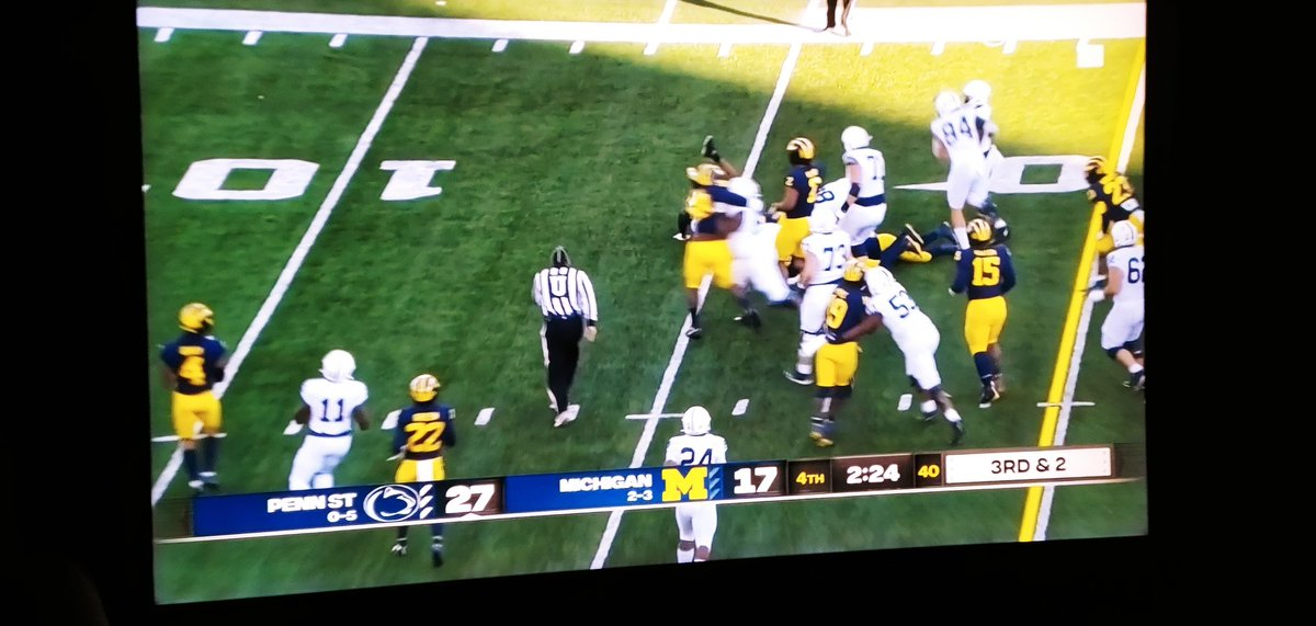 @tjc_101 Michigan getting gubbed 🏈😄👍 #ohiostatefootball https://t.co/2OGgy6evcX