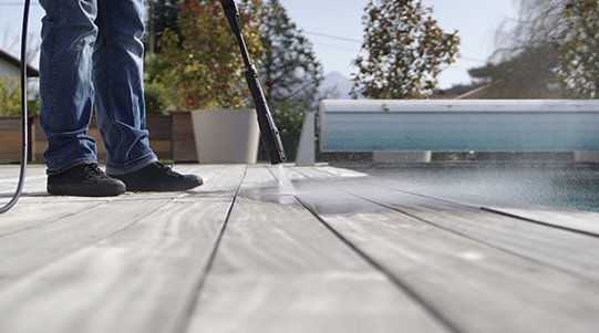 Autumn has finally kicked in, our decking boards will look amazing in any weather as they require low maintenance. Visit our website https://t.co/O647eWrKyr #assuredcomposite #wpcdecking #composite #wpc #decking #autumn #landscape #homerenovations #garden https://t.co/RGzxLpQSdr