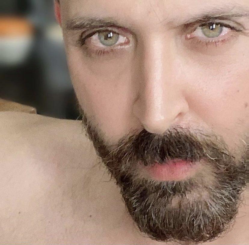 Before the beard goes 👋