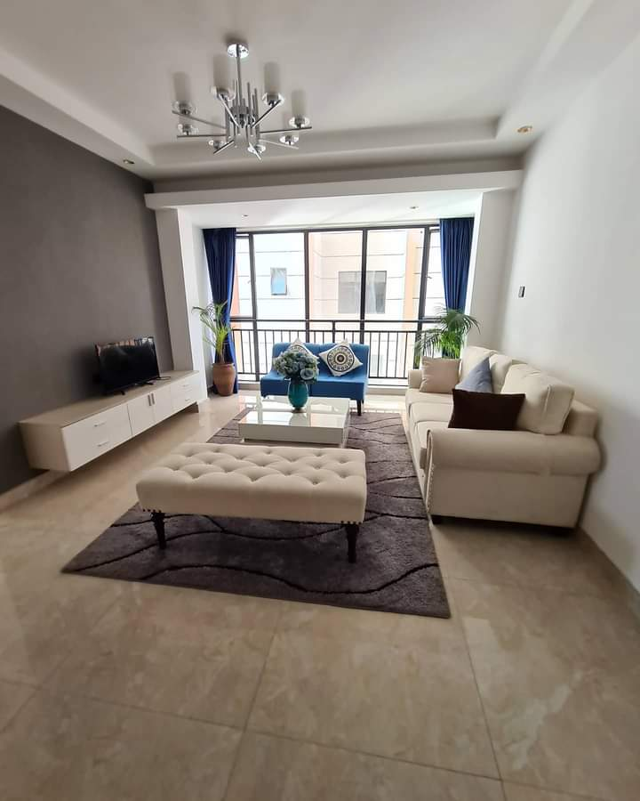 #EVELEE FOR RENT  3 BEDROOM for rent in Lavington 120sqm  Asking price ksh 90,000.  +254 770 783784 //+2454 780 783784    - 2 Ensuite - Borehole -Swimming pool  - 24 hr Security -Ample parking -Fully fitted gym  #Kilimani #tolet #mciLIV