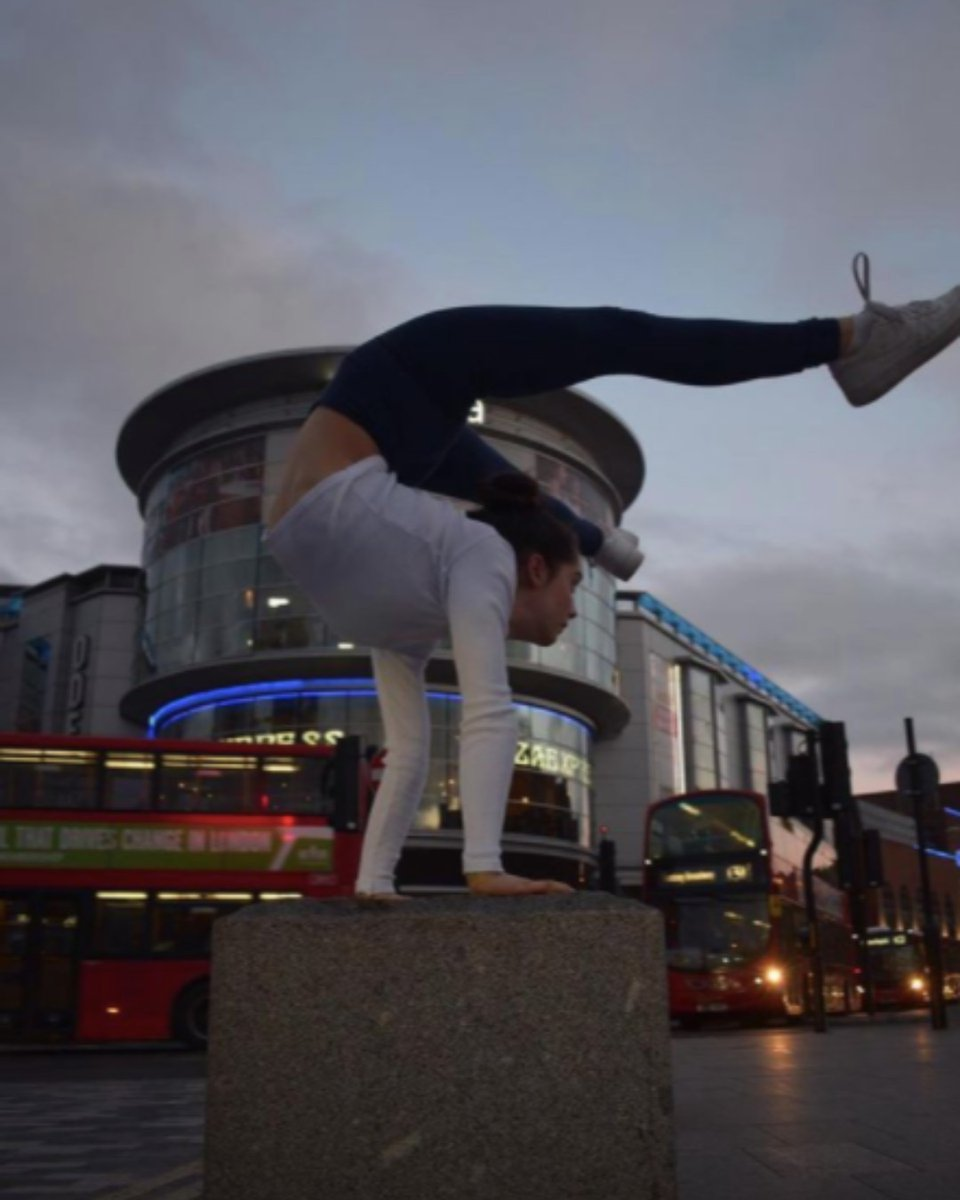 ...and most of us struggle to touch our toes. Incredible! By @gymnast_anna_maria (on Instagram).     #KingstonUponThames #ExperienceKingston https://t.co/GOFRWEyyzx
