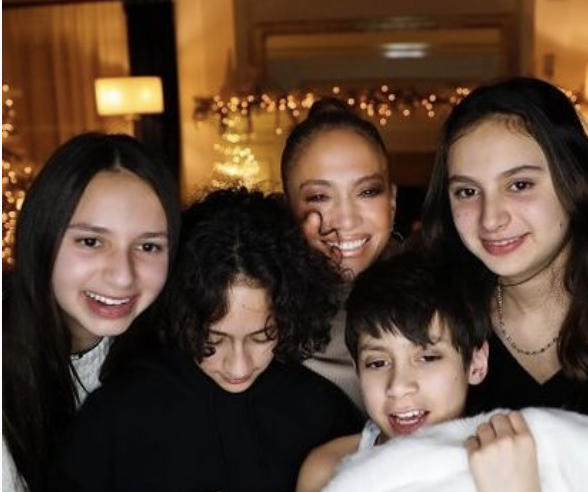 YES! .@JLo's whole family is rocking out to her new bop #JLoInTheMorning and we are here for it!