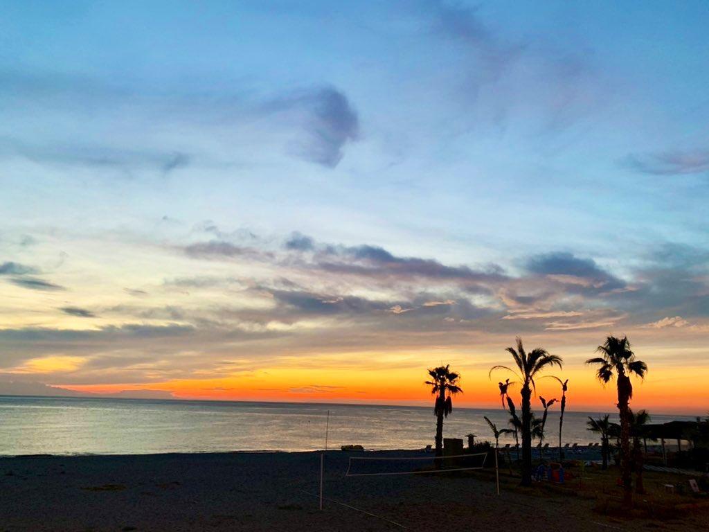 #sea #sky #photography https://t.co/dXeOBHY9lE